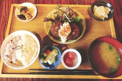 女子に嬉しいヘルシーメニュー!mumokuteki cafe